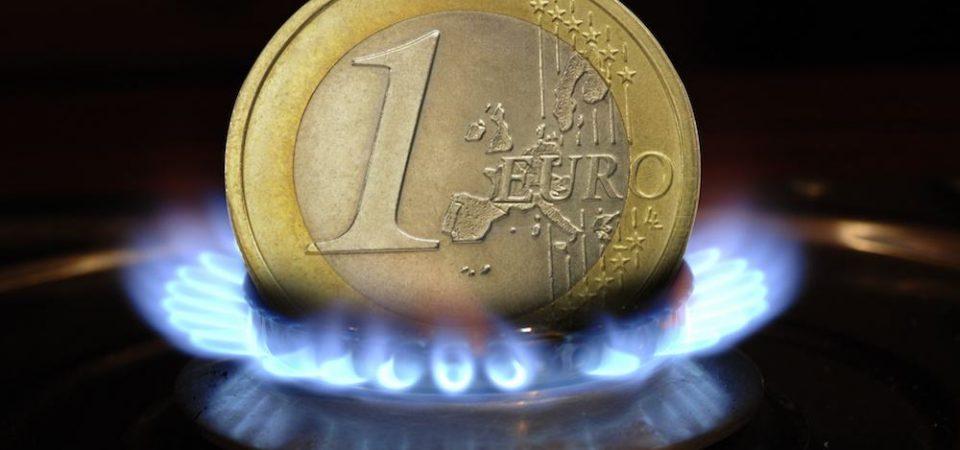 Euromunt en aardgasvlam